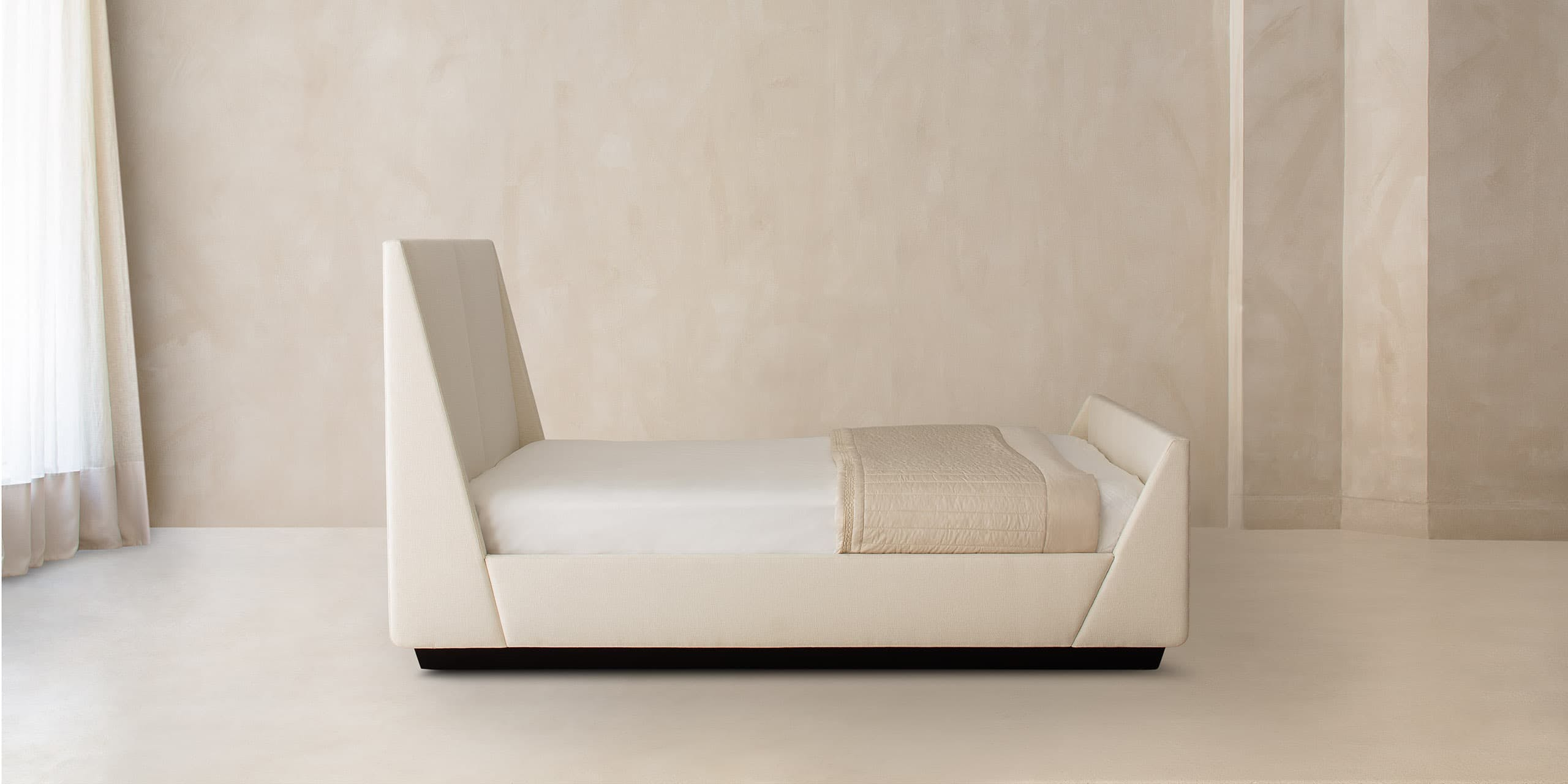 Seefeld bed main.jpg?ixlib=rails 2.1